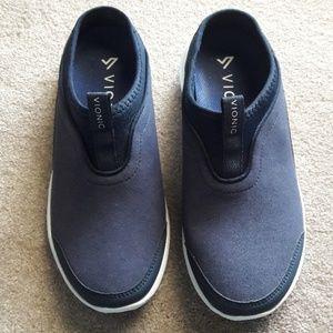 VIONIC women's sneakers